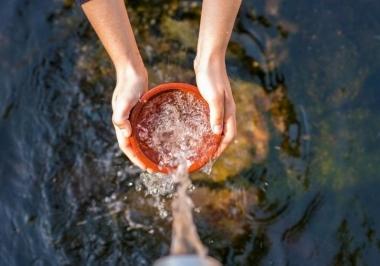 Pesquisadores descobrem purificação de água com energia solar