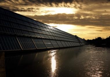 O impacto da energia solar em comunidades ribeirinhas do Amazonas